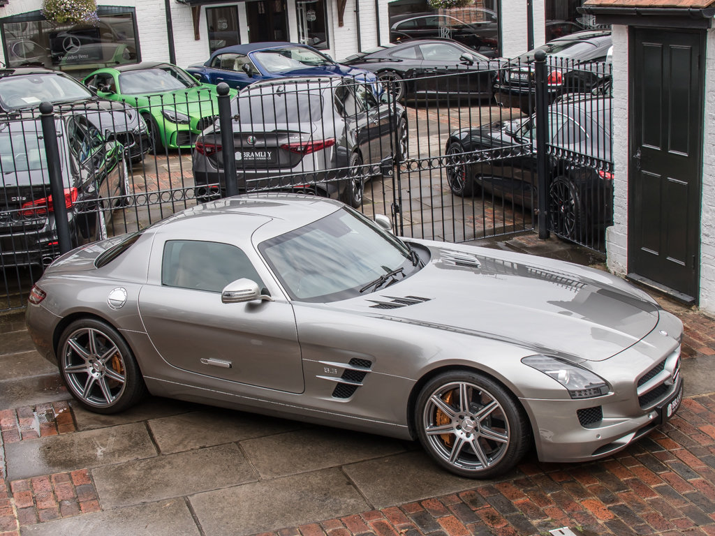 2010 Mercedes-Benz    SLS AMG For Sale (picture 8 of 18)