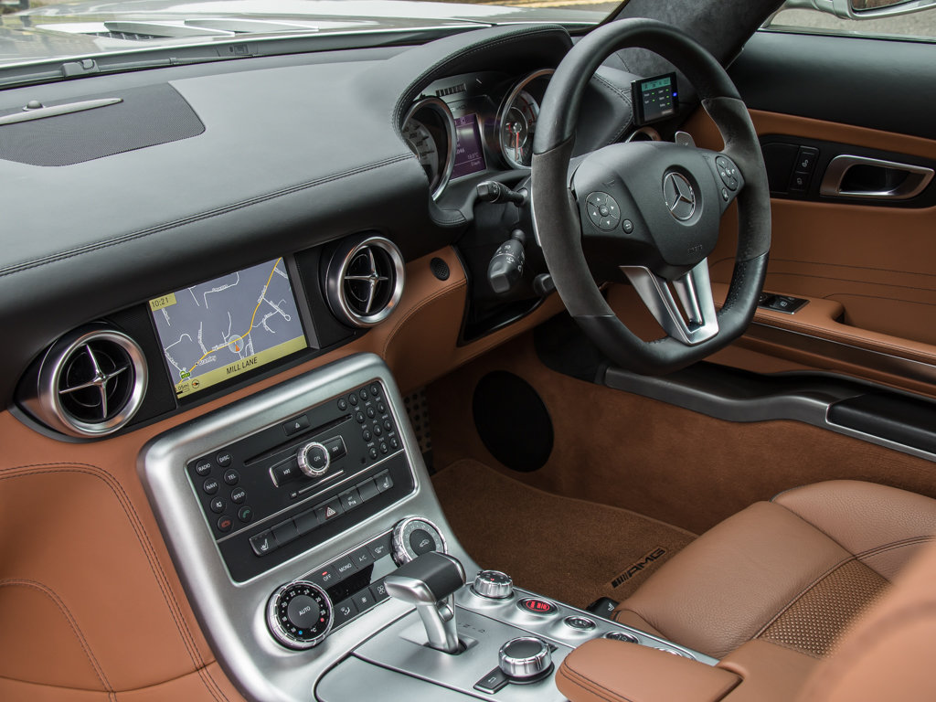 2010 Mercedes-Benz    SLS AMG For Sale (picture 17 of 18)