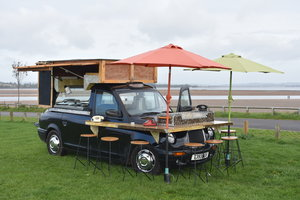 LOT 18: A 1979 London Taxi food truck conversion - 03/11/19