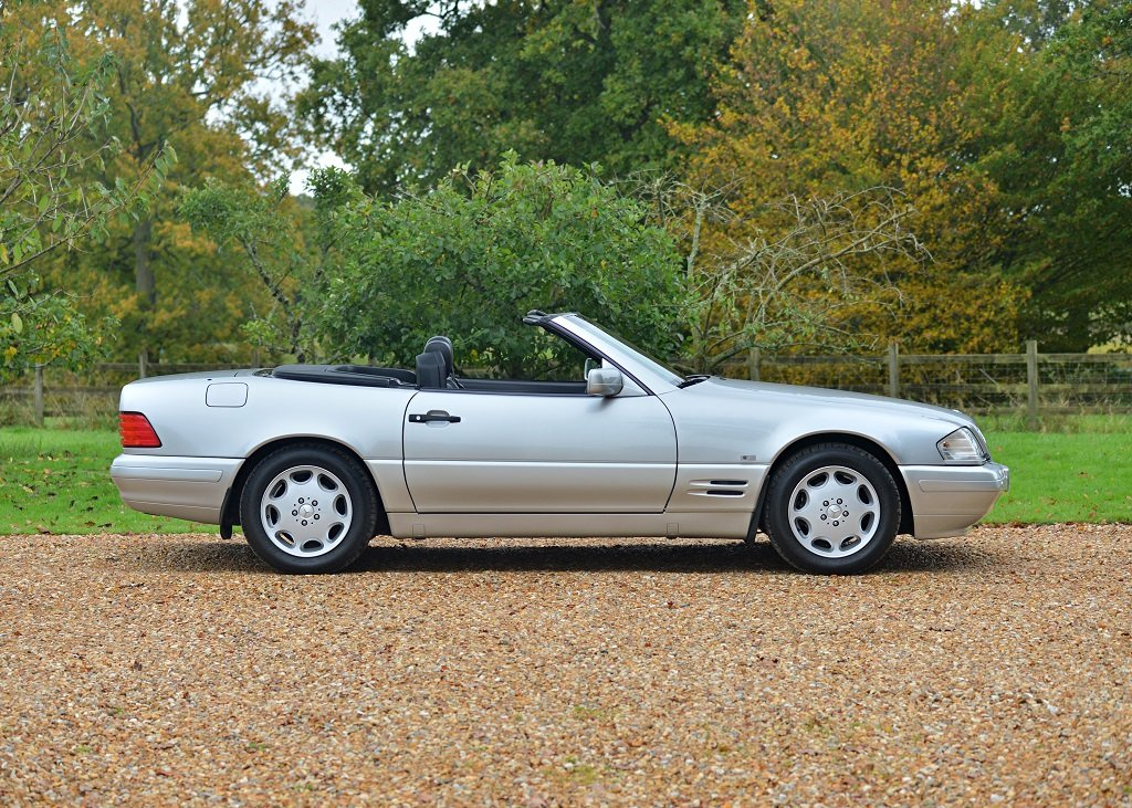 1997 Mercedes-Benz SL 320 Roadster SOLD by Auction (picture 2 of 6)
