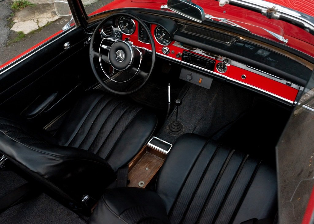 1964 Mercedes-Benz 230 SL Pagoda SOLD by Auction (picture 3 of 6)