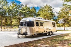 2017 Airstream International 28RB Signature Edition travel t For Sale