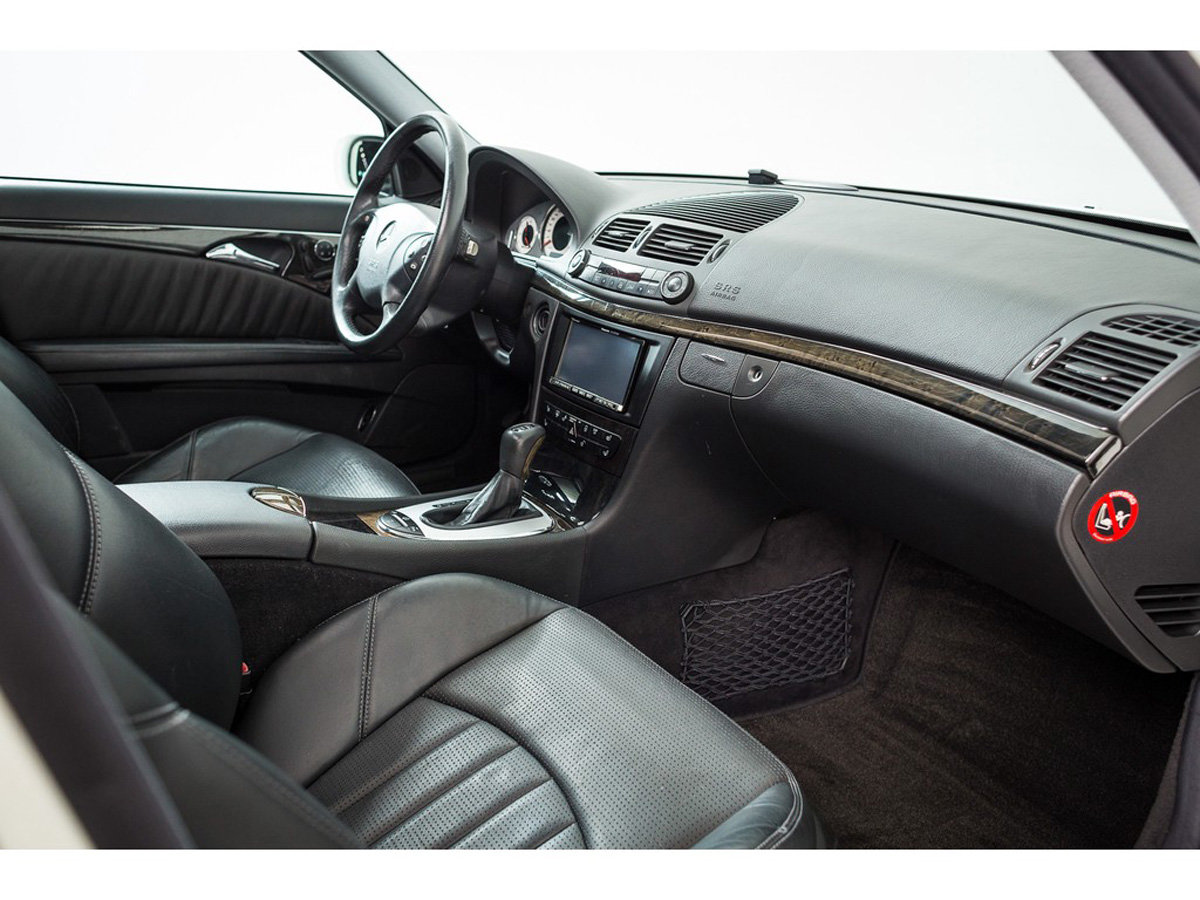 2003 Mercedes-Benz E55 AMG Saloon 17 Jan 2020 For Sale by Auction (picture 4 of 5)