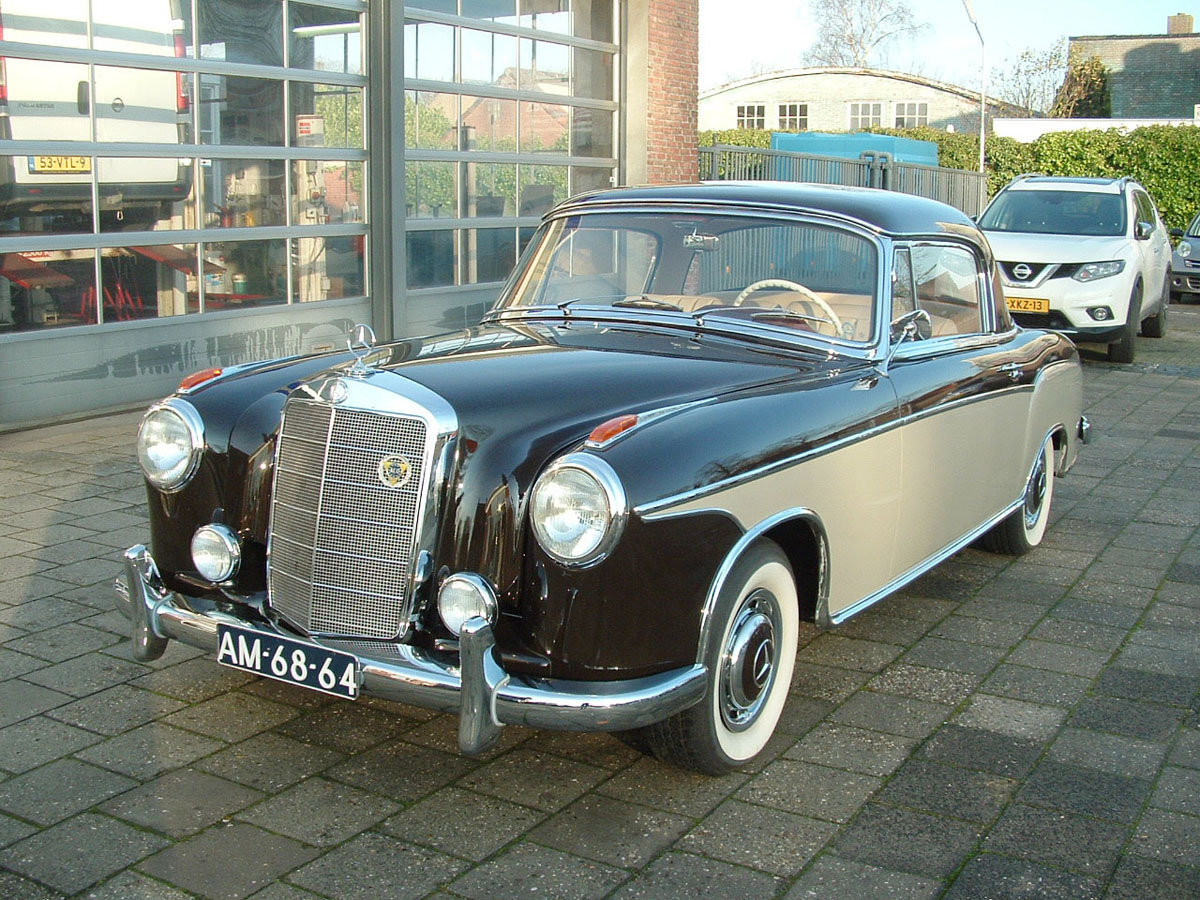 1960 Mercedes-Benz 220SE Ponton Coupe 17 Jan 2020 For Sale by Auction (picture 1 of 4)