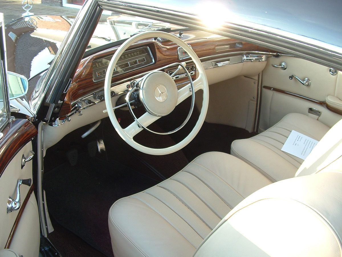 1960 Mercedes-Benz 220SE Ponton Coupe 17 Jan 2020 For Sale by Auction (picture 2 of 4)