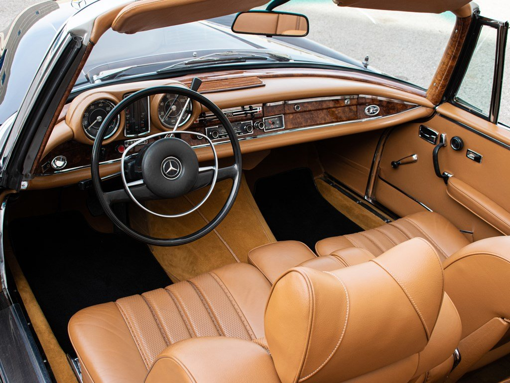 1968 Mercedes-Benz 280 SE Cabriolet  For Sale by Auction (picture 4 of 6)