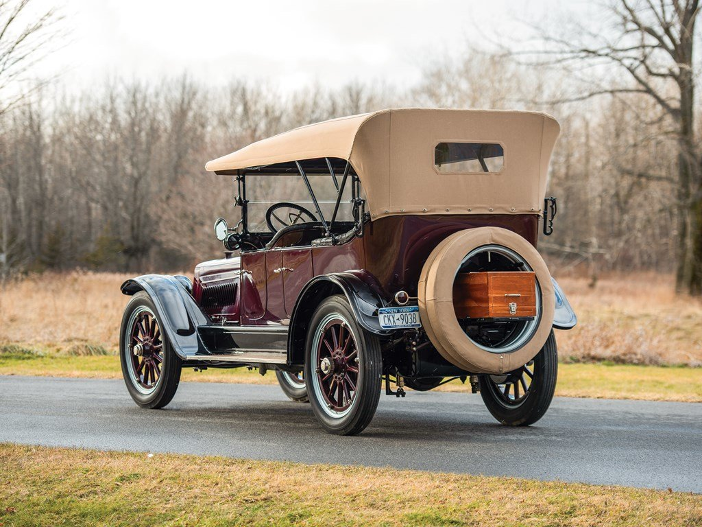 1915 Lozier Type 82 Seven-Passenger Touring  For Sale by Auction (picture 2 of 6)