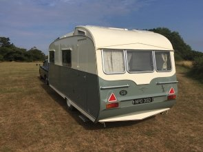 1964 Carlight Continental 4 Berth Tourer Caravan For Sale (picture 3 of 6)