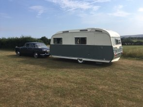 1964 Carlight Continental 4 Berth Tourer Caravan For Sale (picture 5 of 6)