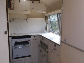 1964 Carlight Continental 4 Berth Tourer Caravan For Sale (picture 6 of 6)
