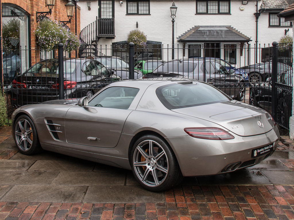 2010 Mercedes-Benz    SLS AMG For Sale (picture 5 of 18)
