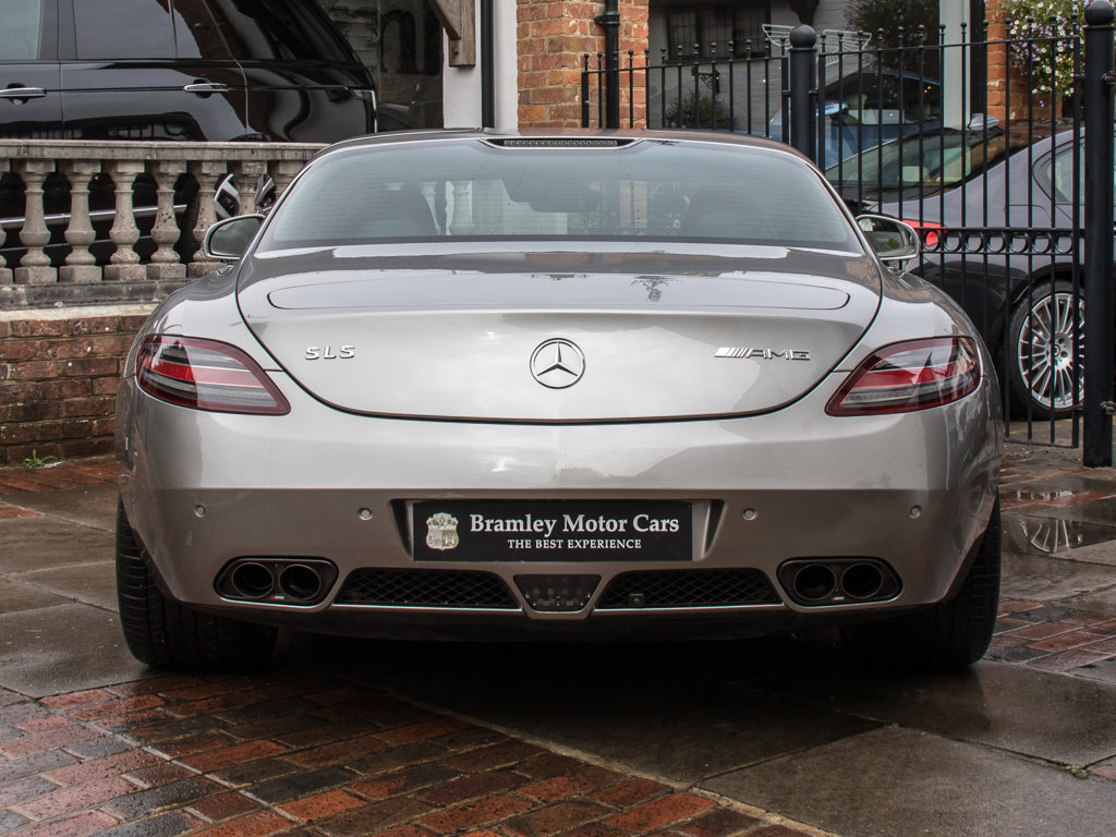 2010 Mercedes-Benz    SLS AMG For Sale (picture 6 of 18)