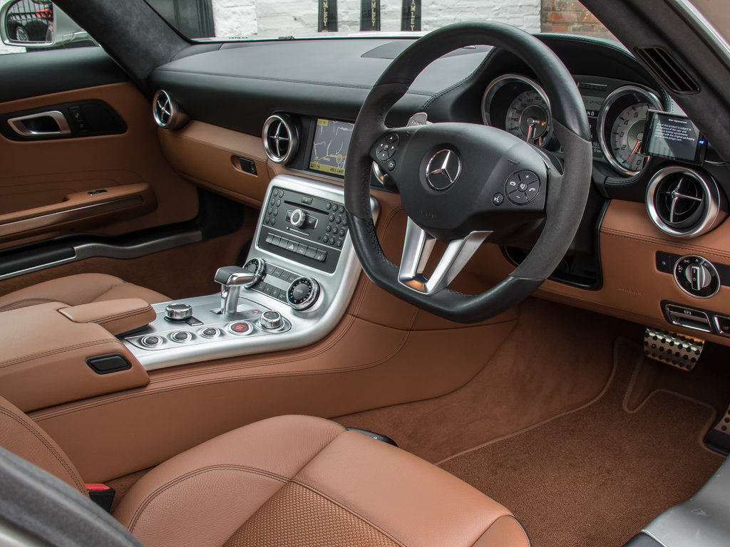 2010 Mercedes-Benz    SLS AMG For Sale (picture 12 of 18)