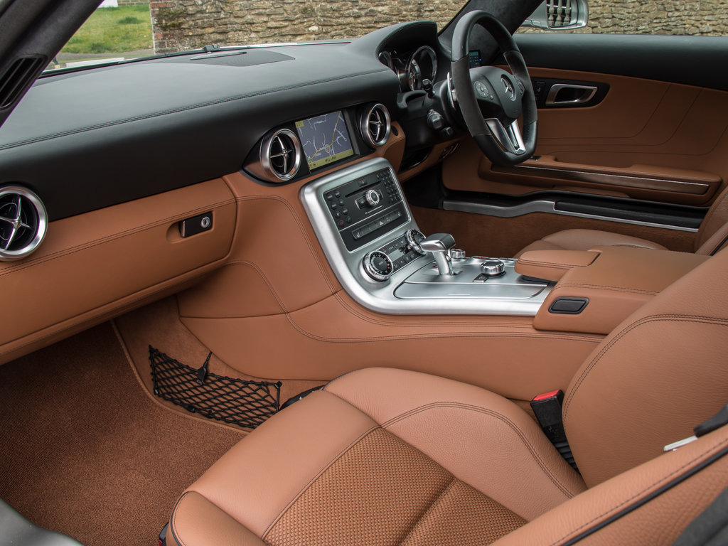 2010 Mercedes-Benz    SLS AMG For Sale (picture 14 of 18)