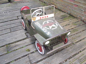 WILLYS JEEP WW2  UNRESTORED TRI-ANG METAL ALL ORIGINAL  RARE