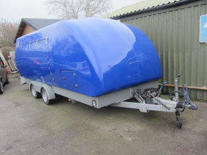 TRACSPORTER COVERED CAR TRAILER
