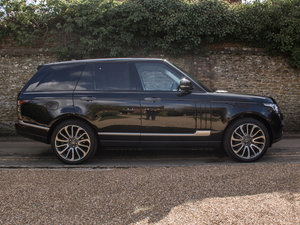 2016 Land Rover    Autobiography 4.4 SDV8 For Sale