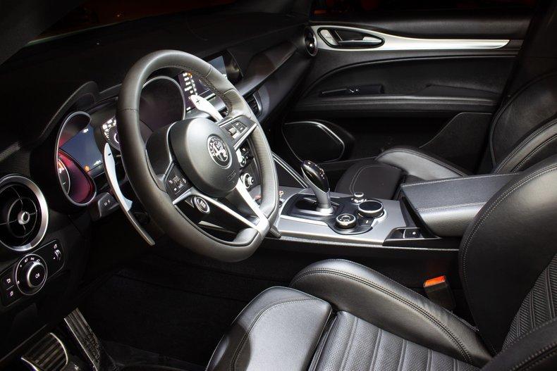 2018 Alfa Romeo  Stelvio Ti Sport SUV AWD Full Loaded $34.9k For Sale (picture 3 of 6)