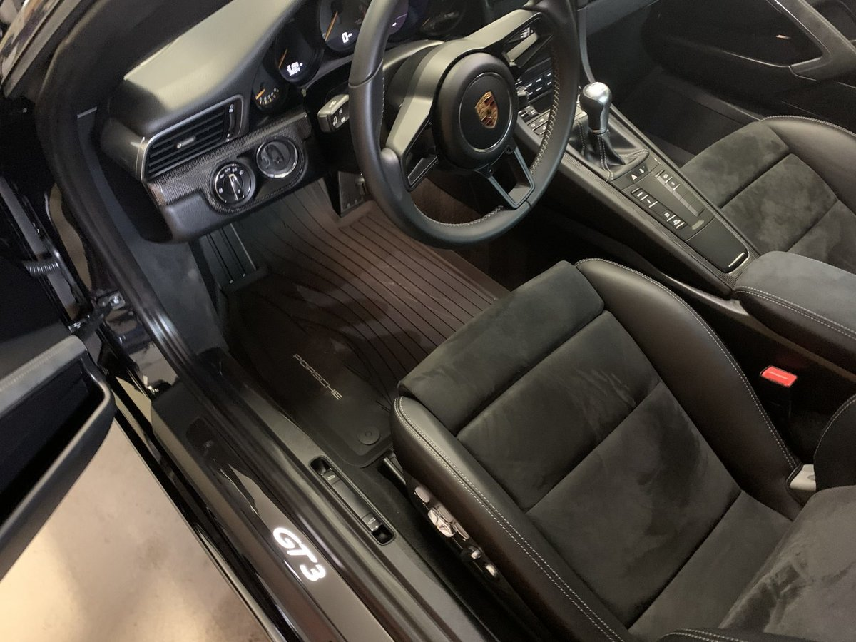 2018 Porsche 911 GT3 ( 991.2 ) Manual 6 speed Black $158.9k For Sale (picture 4 of 6)