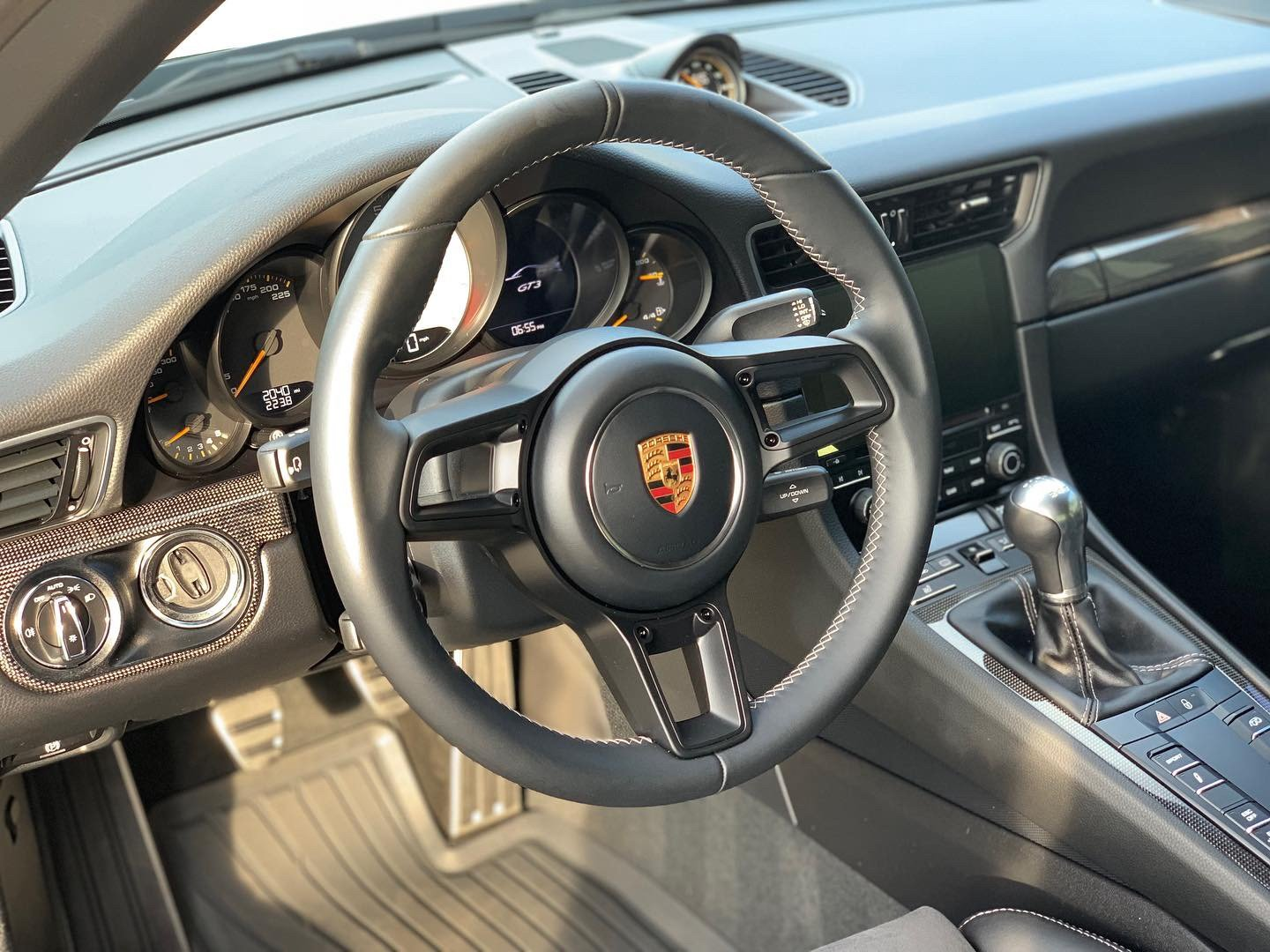 2018 Porsche 911 GT3 ( 991.2 ) Manual 6 speed Black $158.9k For Sale (picture 5 of 6)