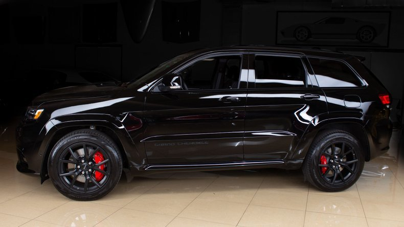 2020 Jeep Grand Cherokee SRT SUV Hemi 200 miles $64.9 For Sale (picture 1 of 6)