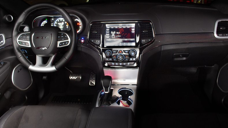 2020 Jeep Grand Cherokee SRT SUV Hemi 200 miles $64.9 For Sale (picture 5 of 6)