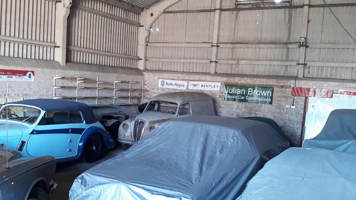 Classic & Modern Car Storage Lincolnshire Motor Cycle e.t.c.  (picture 1 of 6)