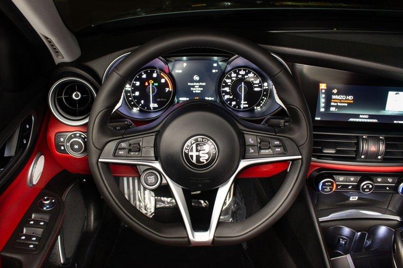2018 Alfa Romeo Giulia 4 Door Sedan Siver 10k miles  $34.9k For Sale (picture 4 of 6)