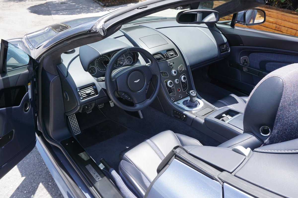 2017 Aston Martin Vantage V12 S Roadster Rare 1 of 7 manual $215k For Sale (picture 3 of 6)