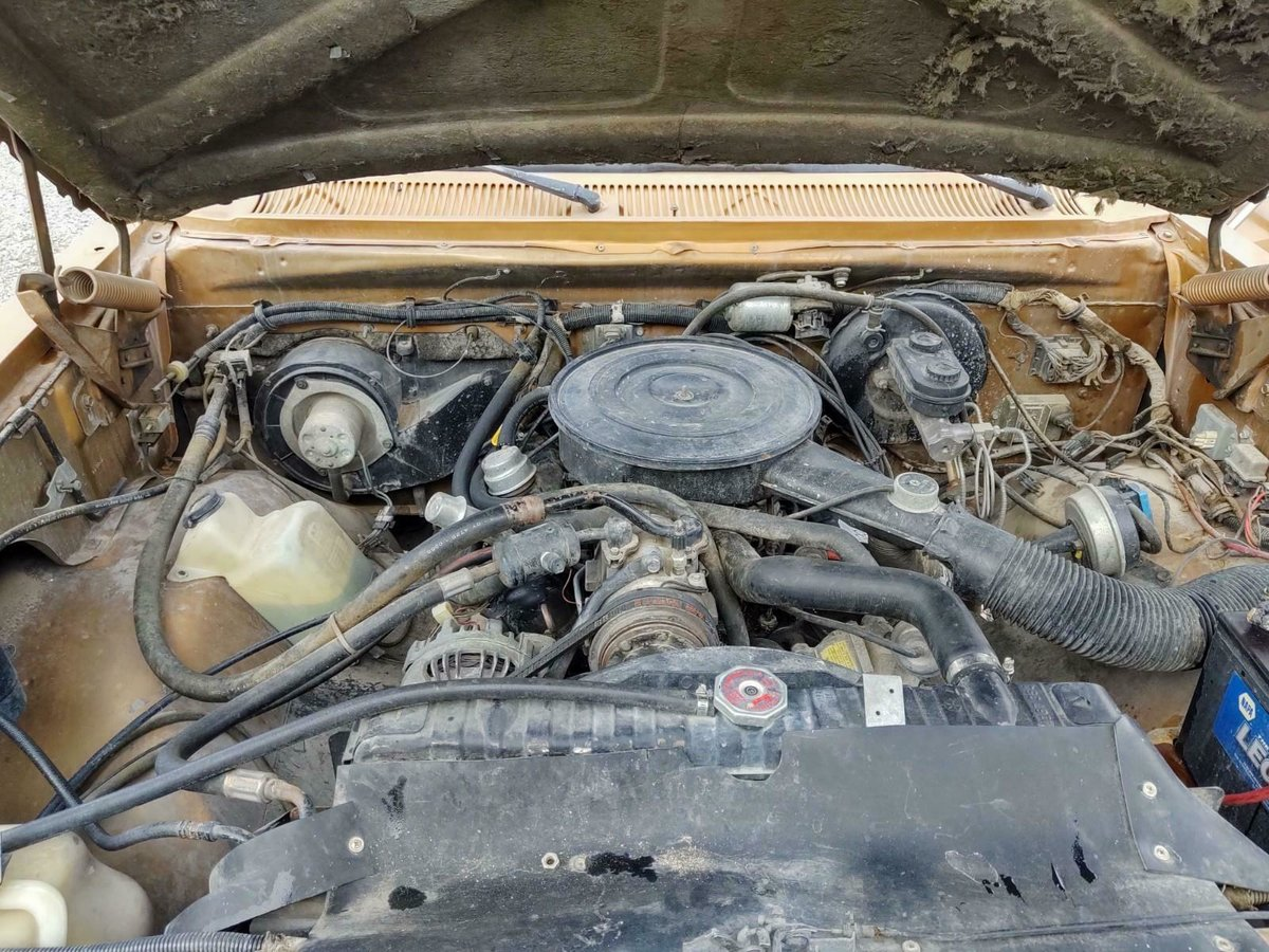 1985 Dodge Ram Charger 5.2 V8 4X4 SUV cold AC Gold $5.9k For Sale (picture 5 of 6)