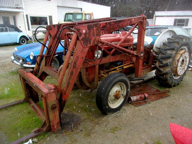 1960 Ford B600F with Front end Loader + Wheel Weights Runs $6.5k For Sale (picture 1 of 6)