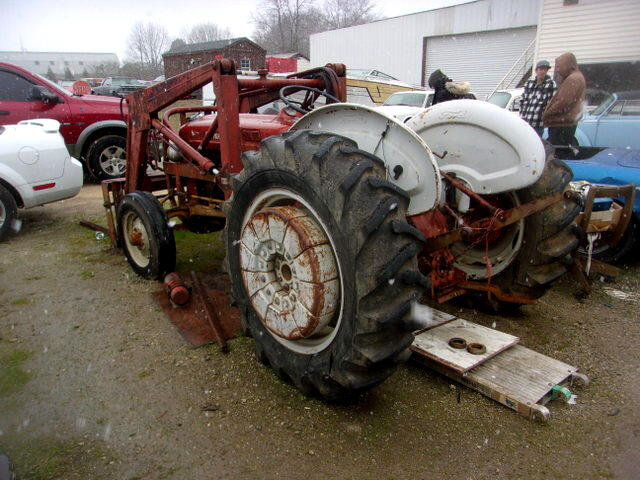 1960 Ford B600F with Front end Loader + Wheel Weights Runs $6.5k For Sale (picture 2 of 6)