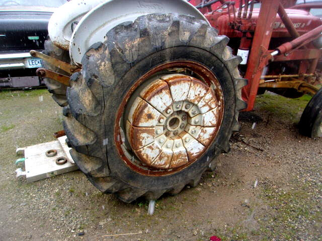 1960 Ford B600F with Front end Loader + Wheel Weights Runs $6.5k For Sale (picture 3 of 6)