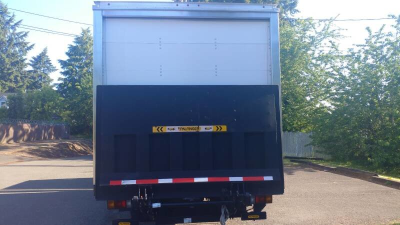 2018 Isuzu NPR with 16 Foot Box Lift~gate 5 foot w Warranty For Sale (picture 4 of 6)