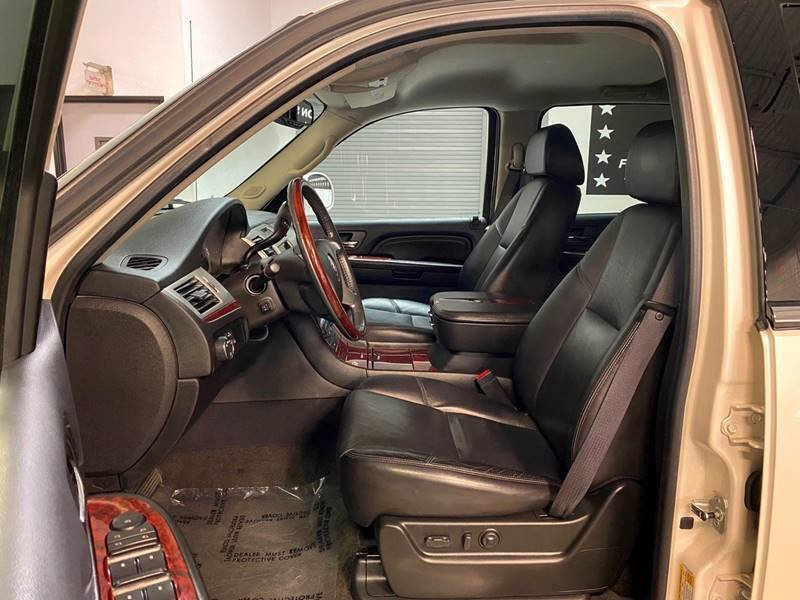 2009 Cadillac Escalade EXT AWD 4 door Crew Cab SB Pick-Up  For Sale (picture 4 of 6)