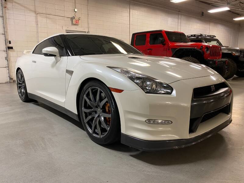 2014 Nissan GT-R Premium AWD Ivory 28k miles  $71.7k For Sale (picture 1 of 6)