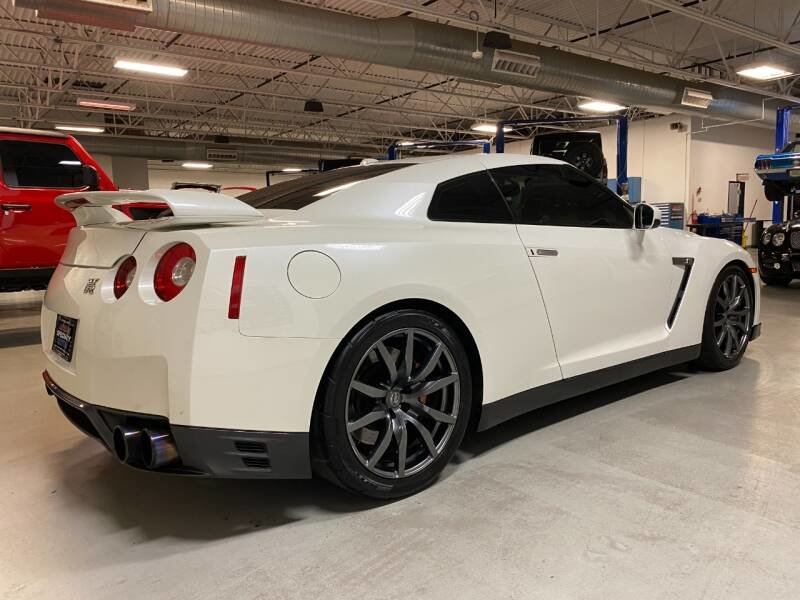 2014 Nissan GT-R Premium AWD Ivory 28k miles  $71.7k For Sale (picture 4 of 6)