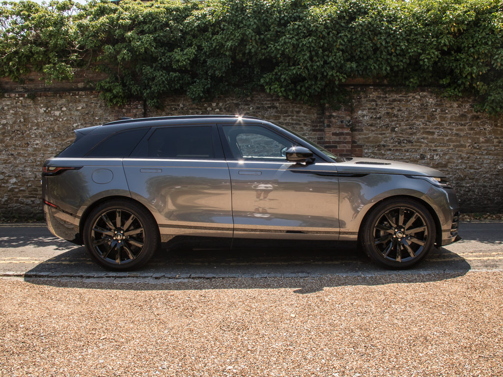 2018 Land Rover    VELAR P300 R-DYNAMIC SE For Sale (picture 1 of 6)
