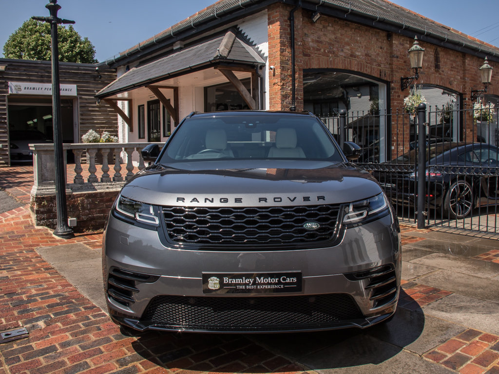 2018 Land Rover    VELAR P300 R-DYNAMIC SE For Sale (picture 3 of 6)