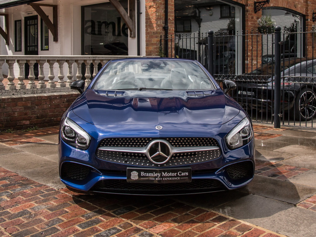 2017 Mercedes-Benz    SL400 AMG Line For Sale (picture 3 of 6)