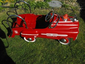 VINTAGE    FIRE TRUCK   PEDAL CAR  1960