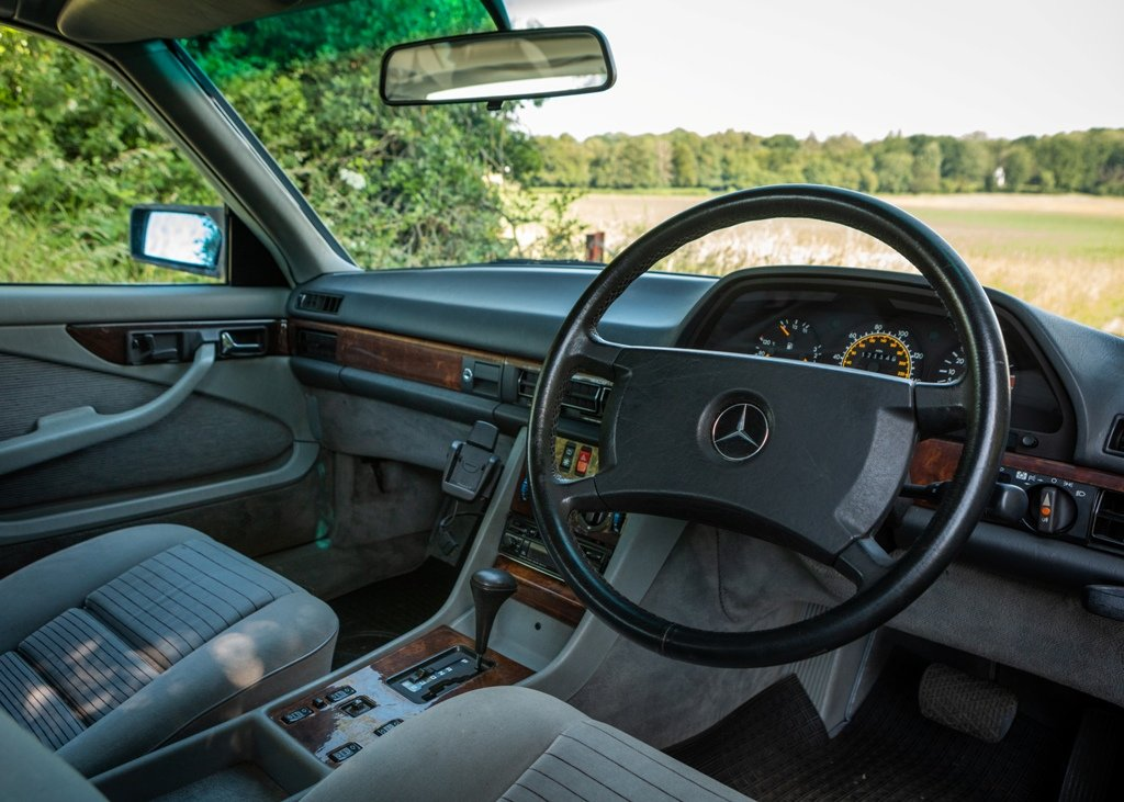 1989 Mercedes-Benz 500 SEC SOLD by Auction (picture 5 of 6)