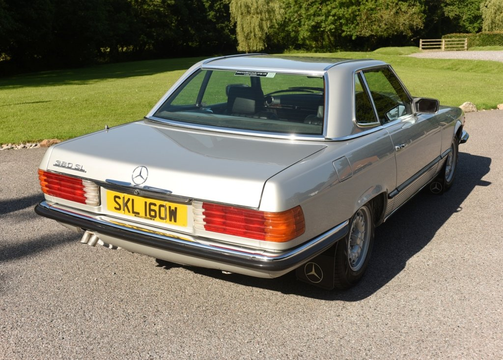 1980 Mercedes-Benz 380 SL Roadster SOLD by Auction (picture 4 of 6)