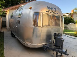 "1973 AIRSTREAM LAND YACHT 23"" REAR BATH DOUBLE BED"
