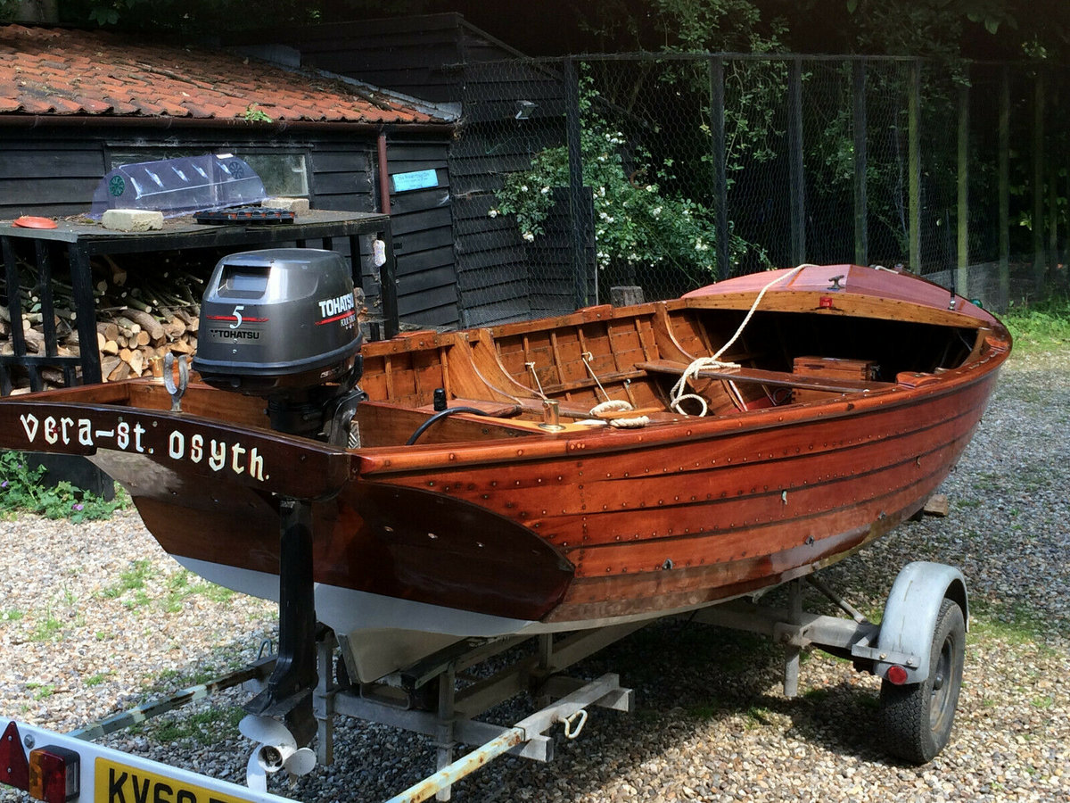 1960 Classic Wooden16 FT Clinker built with outboard motor  For Sale (picture 1 of 6)