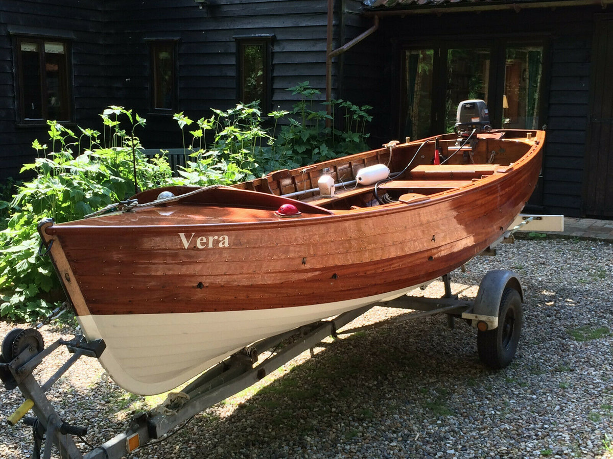 1960 Classic Wooden16 FT Clinker built with outboard motor  For Sale (picture 2 of 6)