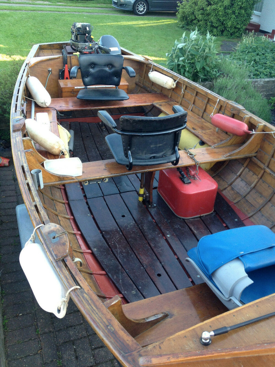 1960 Classic Wooden16 FT Clinker built with outboard motor  For Sale (picture 3 of 6)