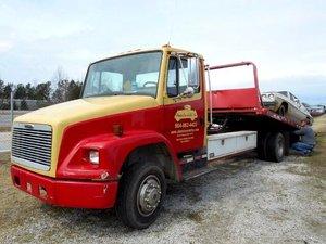 1999  Freightliner Flatbed Rollback Truck 21 foot Wheel lift