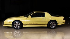 Picture of 1987 Chevrolet Camaro Z/28 Coupe 5 speed Manual clean $24.9k For Sale