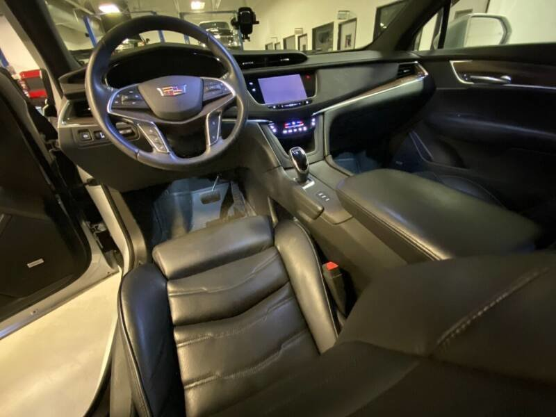 2017 Cadillac XT5 Platinum 4WD SUV Hot~Seats $35.6k For Sale (picture 3 of 6)